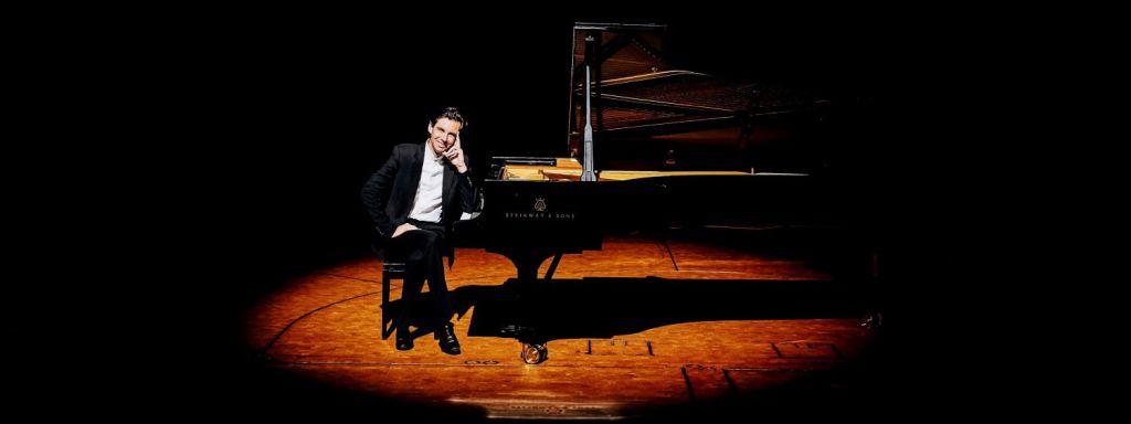 Orchesterkonzerte mit Martin Stadtfeld