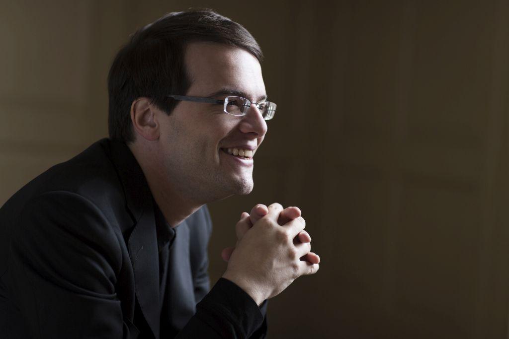 Francesco Piemontesi mit dem Mozarteumorchester in Salzburg